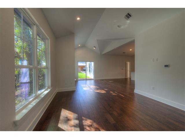 2505-b-hidalgo-street-listing-5854057-living-area-view